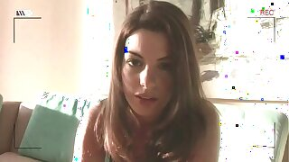 Anne Hathaway masturbates in photograph HAVOC (HD)