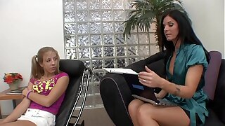 Hot Brunette MILF Therapist helps a difficulty tight teen gets an high point in mention